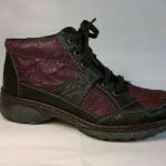 Rieker - krásná fialková zateplená botka, zapínání je na tkaničku